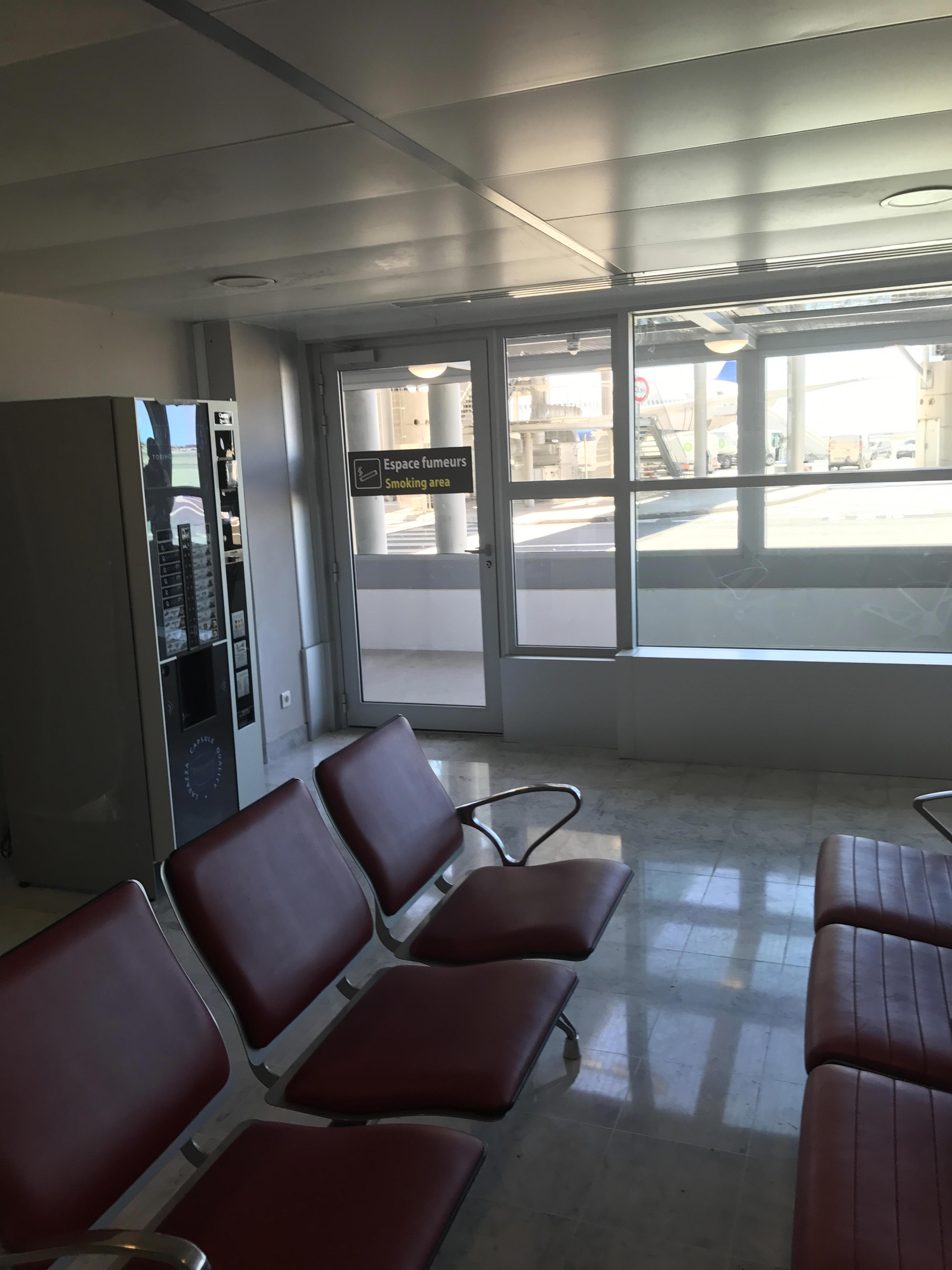 Smoke Parking Garage : Smoking at nice cote d azur international airport nce